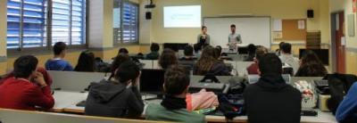 CREAMA i PEGREGUER EMPENTA transmeten la seua experi�ncia als joves estudiants