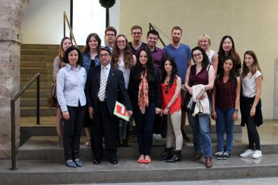 Alumnos de la UV visitan la Bolsa de Valencia