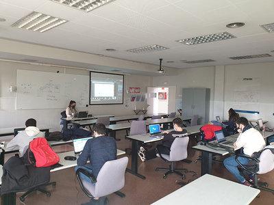 El alumnado de DAM de Florida Universitària recibe un curso en exclusiva sobre tecnología FlexyGo